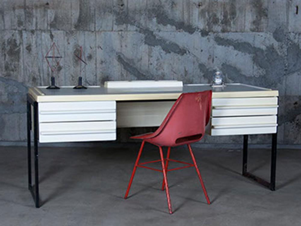 E Age White Desk