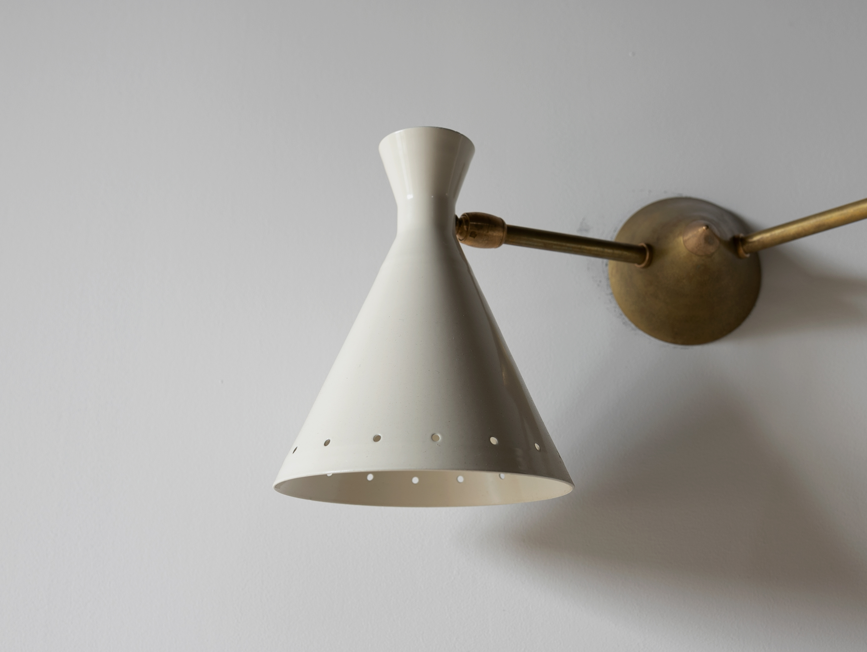Vintage Double White Cone Sconce l ビンテージウォールライト